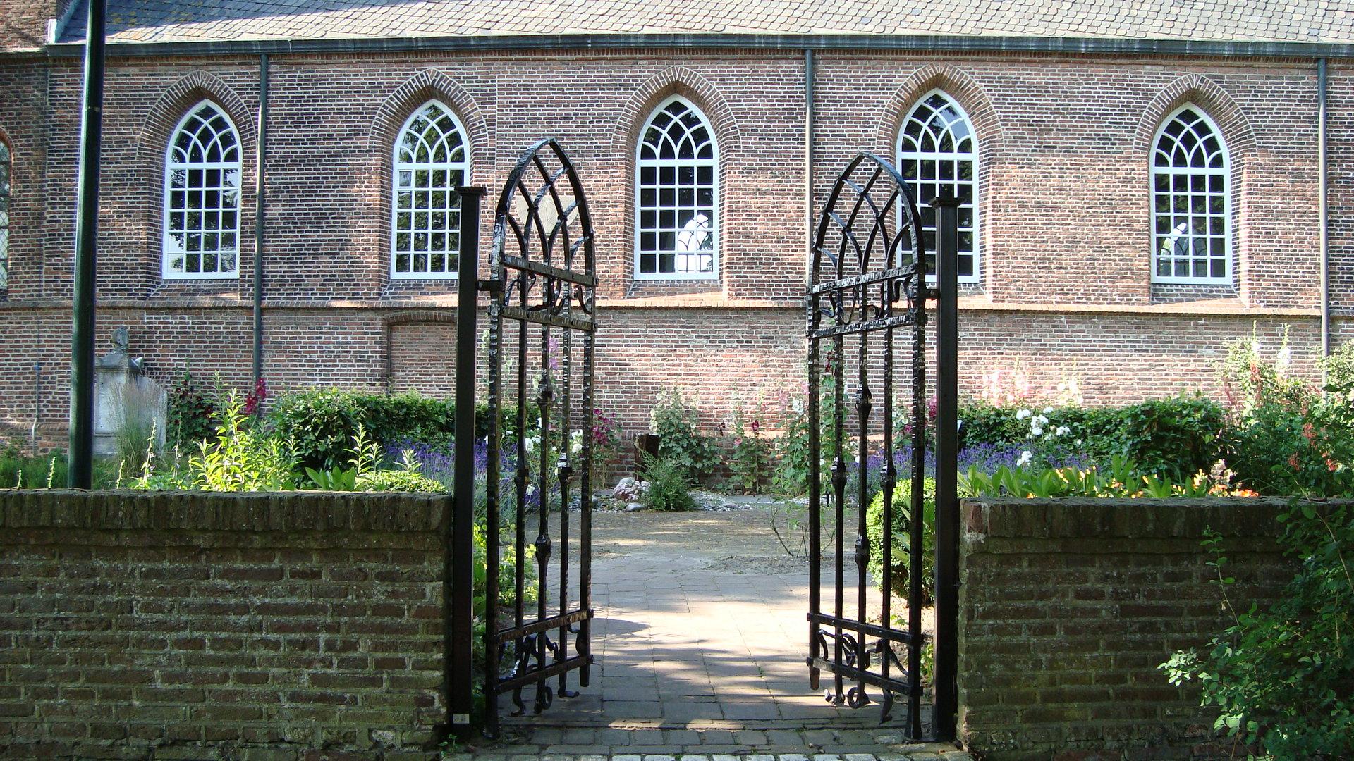 Hek naar kerktuin Oude Kerk Soest, 2009
