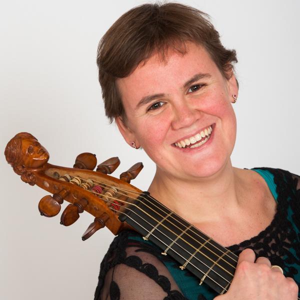 Saartje Schrage met haar viola da gamba