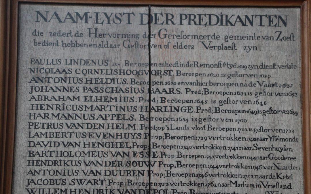 Predikantenbord Oude Kerk - Foto: Frans Hoogeweg